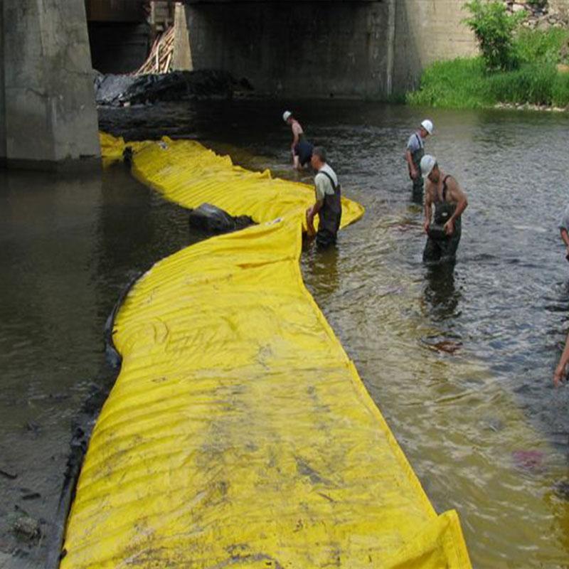 Elastyczne koferdamy Water-Gate ©. Montaż w kształcie litery L od brzegu do przeciwległej strony pirsu mostowego.