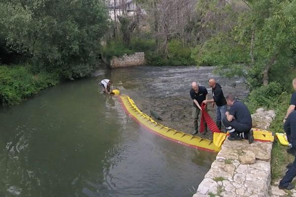 Jak wysuszyć próg rzeki w 3 minuty! Model WL-06 ze zintegrowanym statecznikiem.